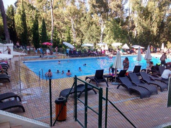 Hotel Roc Costa Park : Una de las piscinas