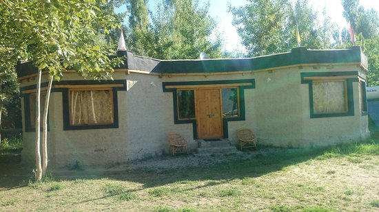 Ladakh Sarai : The new totally cemented rooms...