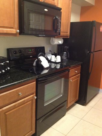 Lake Buena Vista Resort Village & Spa: Kitchen with all appliances