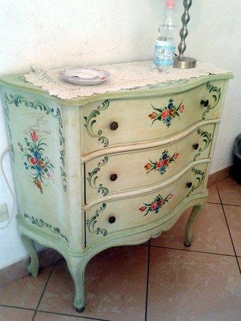 Soggiorno Burchi: antique closet