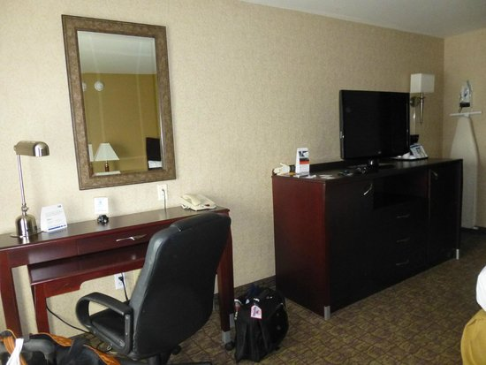 Holiday Inn Express Spokane Downtown: desk