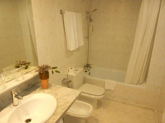 Alexandra Aparthotel : baño