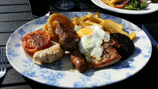 The Mundy Arms: A lovely mixed grill