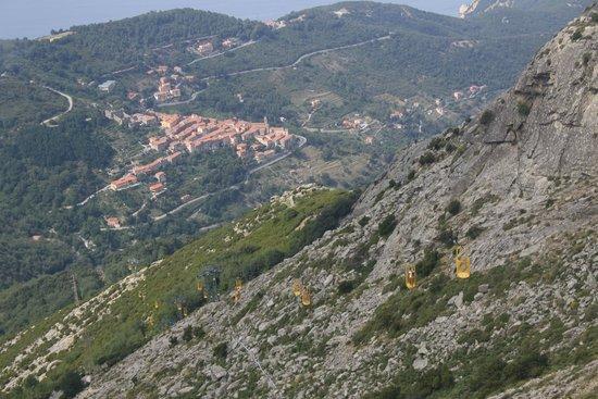 Monte Capanne: vista del paese con la cabinovia