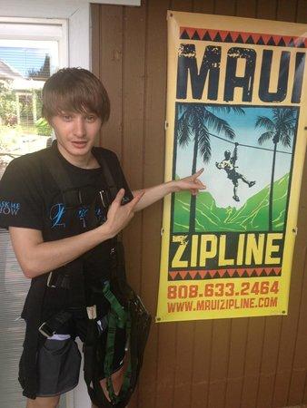 Maui Zipline Company: Вывеская = ) у кого хорошо с английским можете заранее записаться.