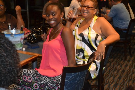 Comfort Suites Atlanta Airport: MY COUSIN & MY NIECE...ENJOYING THE EVENING AT BLUE SKY WITH MYSTIE BLUE