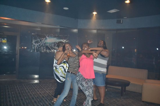 Comfort Suites Atlanta Airport : WE KNOW HOW TO PARTY....WITH MYSTIE BLUE