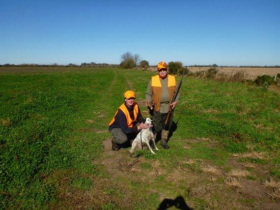 Estancia San Ambrosio: Perdiz hunting with the guide and his dog.