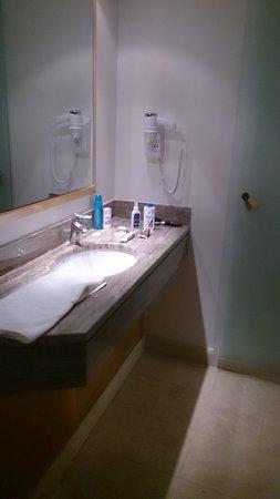 Central Athens Hotel: Baño