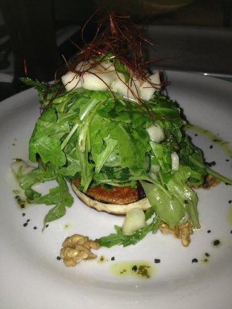 Mini : Салат с козьим сыром просто объеденье!