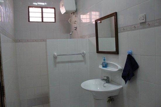 Hakuna Shida Guesthouse: Человеческий душ
