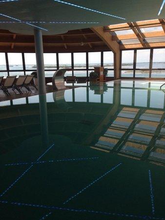 Laguna Palace Hotel: Piscina