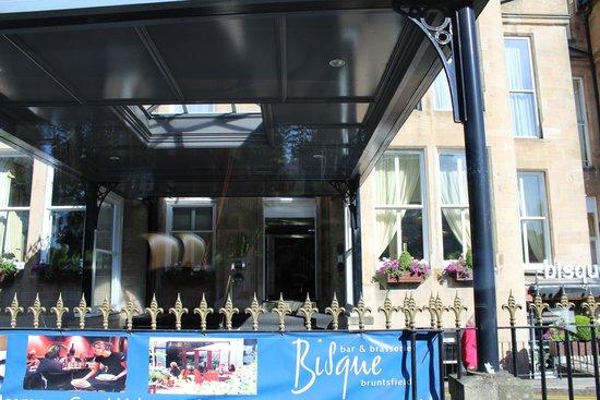 BEST WESTERN PLUS Edinburgh City Centre Bruntsfield Hotel: Front covered entrance