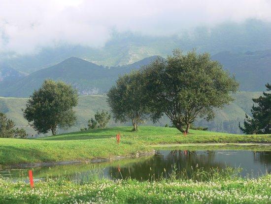 Hotel Rural Andrin: Campo de golf