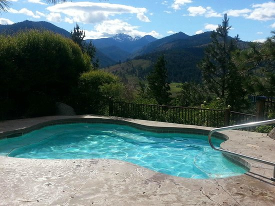 Sun Mountain Lodge: Hot tub