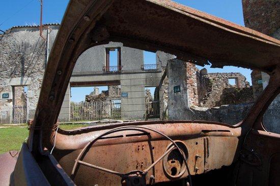Vieille ville d'Oradour-sur-Glane : Oradour - sans commentaire