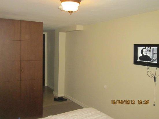 Mono Suites: Номер в отеле
