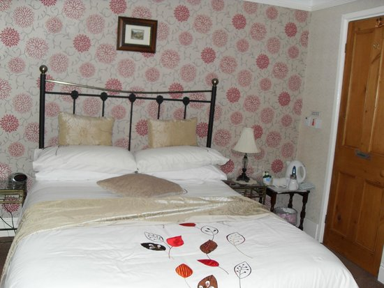 Buxton House: Room 2 (the small room, which was big)