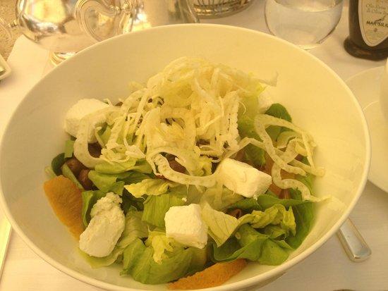 Rome Cavalieri, Waldorf Astoria Hotels & Resorts: Wellbeing salad at Rome Cavalieri