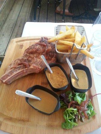 Brasserie Du Roc : Côte de boeuf de 500 g avec frites et 3 sauces