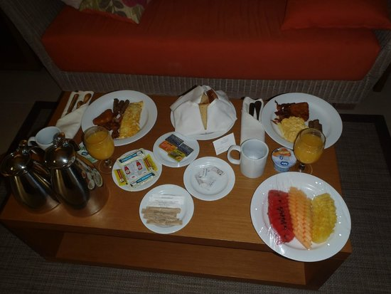 Secrets Royal Beach Punta Cana: Room Service - Breakfast!