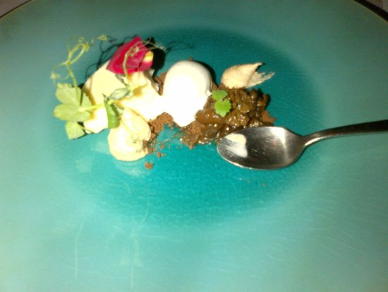 Restaurant Montiel: One of the creative and delicious sweet courses