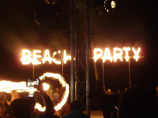 Secrets Royal Beach Punta Cana: Beach Party on Beach