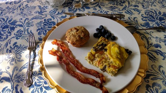 Bed and Breakfast Onanda by the Lake: Great breakfast every  morning-yummy!