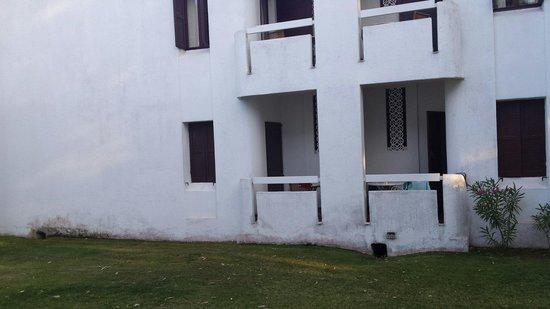 """Hotel Flamingo: esterno della struttura che definiscono """"ville"""""""