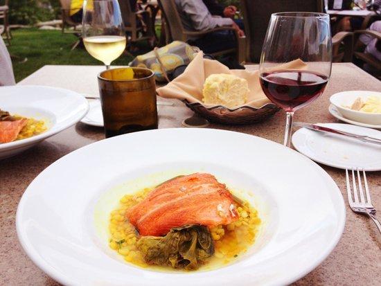 Friday Harbor House Restaurant : Salmon for dinner