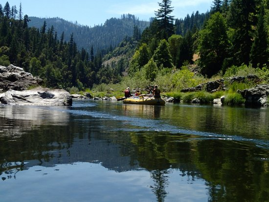 Momentum River Expeditions: mid river