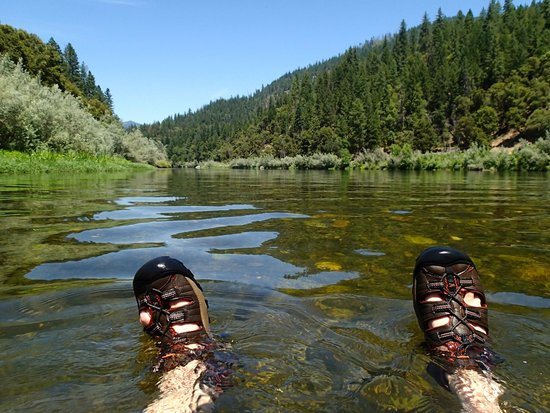 Momentum River Expeditions: Sitting in the river at Ferry Point
