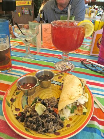 Pura Vida Cafe : Top Shelf fish tacos