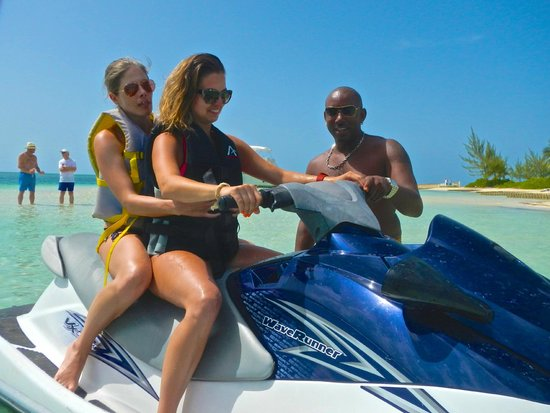 Cayman Private Charters: Makes even novices comfortable!