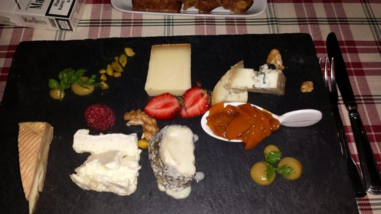 25hours Hotel The Goldman: Dessert cheese tray at the Goldman