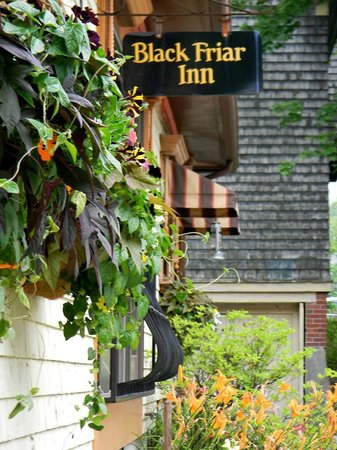 Black Friar Inn and Pub: The welcoming entrance