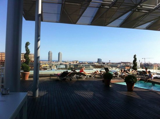Hotel Diagonal Barcelona: View from pool