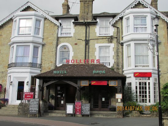 Holliers Hotel: hard to miss and wouldnt want to