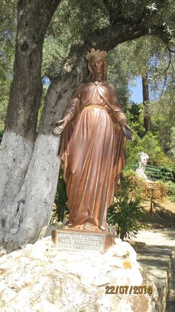 Meryemana (The Virgin Mary's House): statue de la vierge marie sur le site