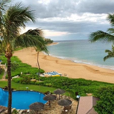 Sheraton Maui Resort & Spa: View from 4609 on a cloudy morning