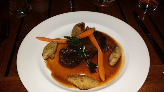 25hours Hotel The Goldman: Beef cheeks braised in tempranillo sauce. Heavenly