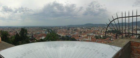 Uhrturm: Ausblick über Graz