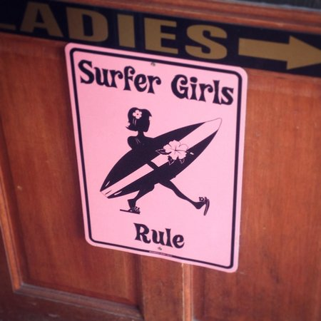 St Pirans Inn: Surfer Girls Rule