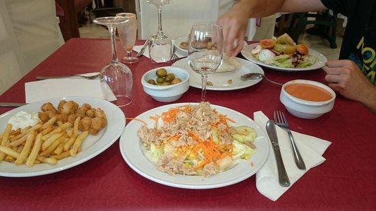 Bahia Sur Hotel: ensaladas mucha variedad