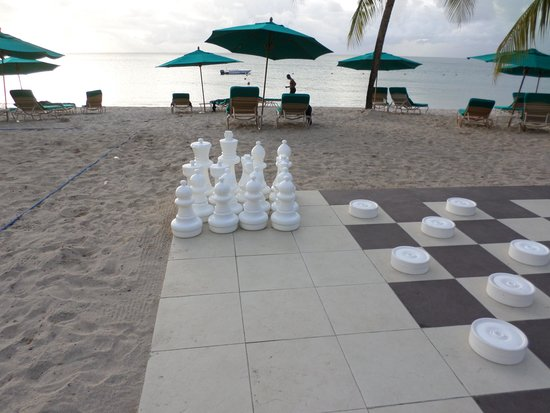 Rendezvous Resort: Giant draughts area