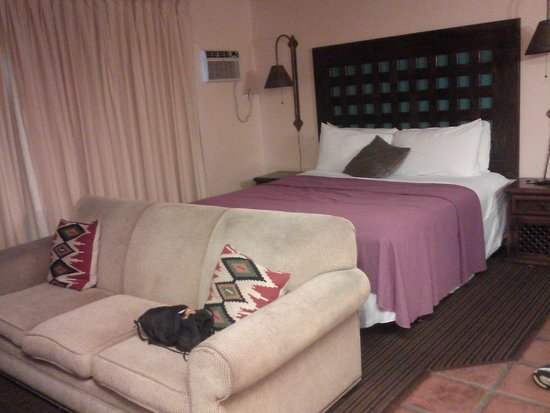 Hotel Pepper Tree: Bed/sleep area