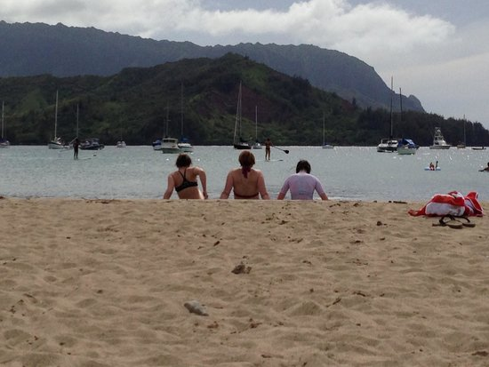 Hanalei Beach: end of day view