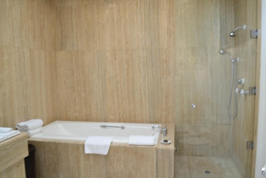 Belmond Cap Juluca: Cap Juluca bathroom.