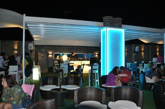 ApartoSuites Jardines de Sabatini: Terrasse lounge