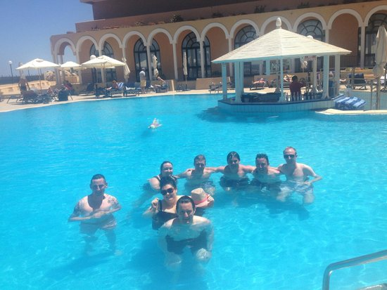 Radisson Blu Resort, Malta St Julian's: FAMILY GATHERING IN THE POOL
